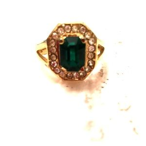 Women's simulated emerald ring